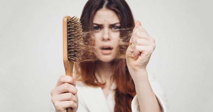 Nằm mơ thấy rụng tóc điềm lành hay dữ? Ý nghĩa thế nào?  1169313065