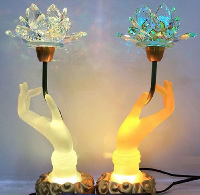 30+ mẫu đèn trang trí bàn thờ đẹp và sang trọng 251823312