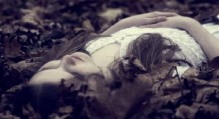 Nằm mơ thấy người thân đang sống bị chết điềm báo gì? Đánh con đề gì? 994992009