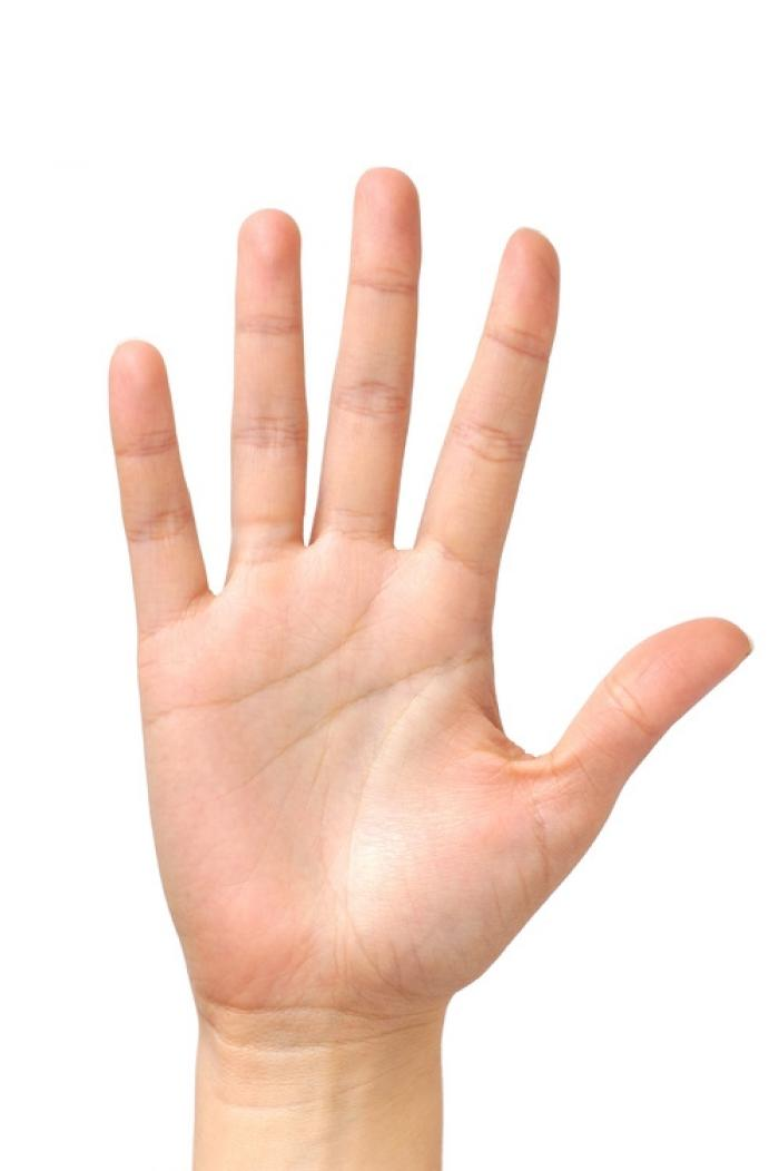 Nốt ruồi ở kẽ ngón tay tiết lộ gì về con người bạn? 591044410