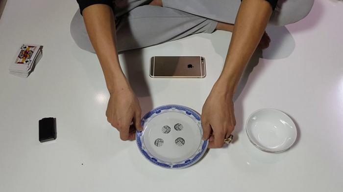 Khám phá cách chơi xóc đĩa ngoài đời luôn thắng 1627214536