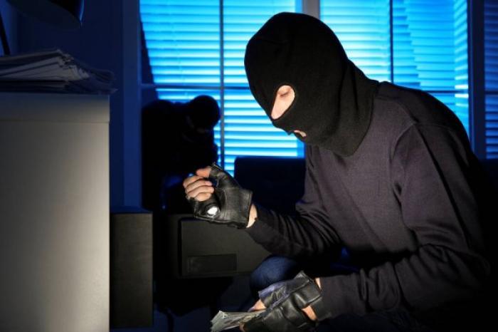 Nằm mơ thấy mình đi ăn trộm tiền đánh số đề bao nhiêu trúng to 1635072417