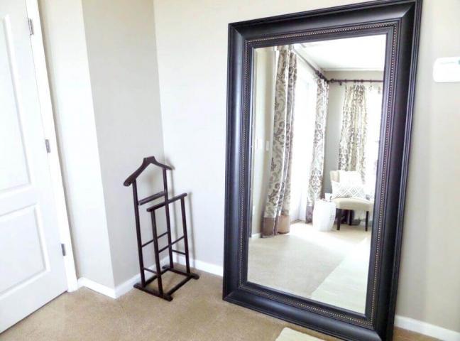 Có nên đặt gương đối diện cửa ra vào phòng ngủ hay không?  1058519300