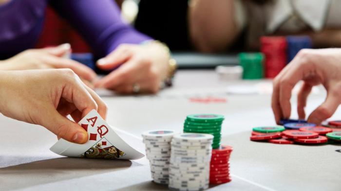 Hướng dẫn cách đánh bài Poker chi tiết nhất 1979805649