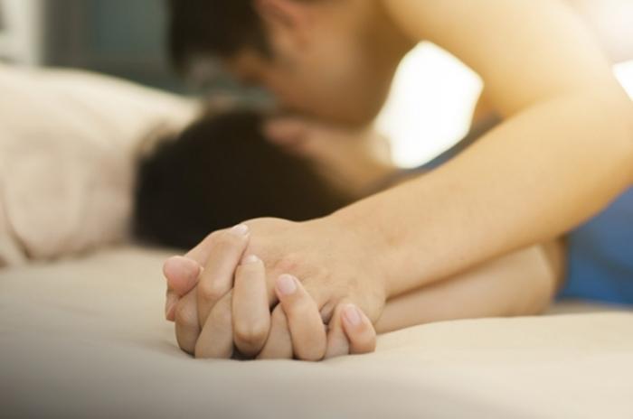 Mơ thấy hiếp dâm đánh con gì nhanh chóng vào bờ?  1822008245