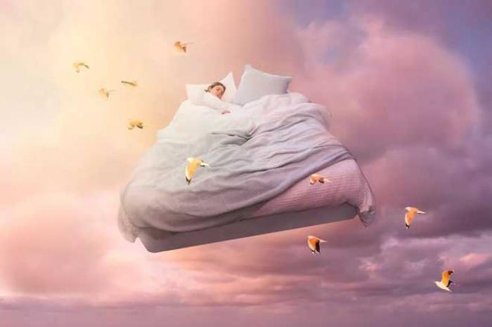 Mơ thấy đang nằm mơ có ý nghĩa gì?  2077146100