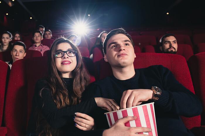 Mơ thấy đi xem phim đánh con gì nhanh chóng thắng lớn? 1648934883