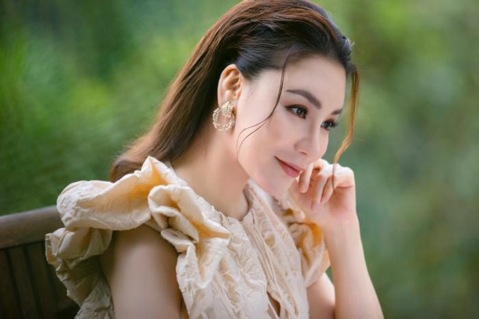 Nằm mơ thấy ca sĩ Hồ Quỳnh Hương đánh con gì trúng lớn? 1905920897